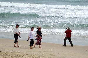 Đà Nẵng: Khó thực hiện tuyến đường đi dạo dọc bãi cát ven biển