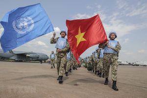 Những hình ảnh đầu tiên của các bác sĩ mũ nồi xanh Việt Nam ở Nam Sudan