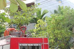 Cả xóm trọ tháo chạy khi ngôi nhà 3 tầng phát hỏa