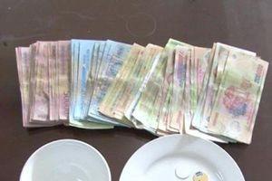 Triệt phá 'công ty' cờ bạc đất Cảng, bắt giữ 9 đối tượng