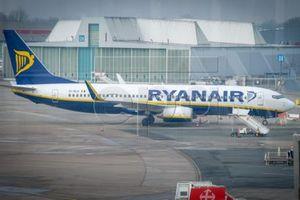 Ảnh hưởng đình công, Ryanair hạ dự báo lợi nhuận