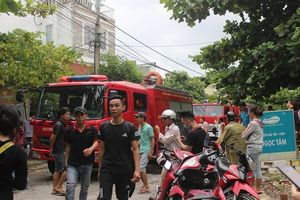 Đà Nẵng: Nhà trọ 3 tầng bốc cháy, cả khu phố nháo nhào bỏ chạy
