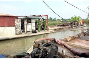 Hải Phòng: Bắt quả tang 2 tàu khai thác cát trái phép trên sông Thái Bình