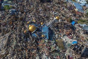 Cảnh khốn cùng của người dân Palu (Indonesia) sau động đất, sóng thần