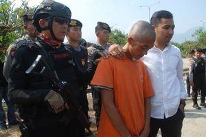 Fan đánh chết người, CLB Persib Bandung lãnh đủ