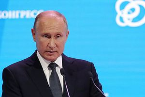 Tổng thống Putin phũ phàng nói về cựu điệp viên Nga bị hạ độc: 'Kẻ phản bội, cặn bã'