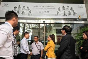 Bị chặn không cho vào trụ sở Trung Nguyên, bà Lê Hoàng Diệp Thảo yêu cầu cưỡng chế thi hành án