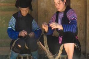 Clip: Khám phá nghề dệt vải lanh của đồng bào Mông miền Tây Bắc