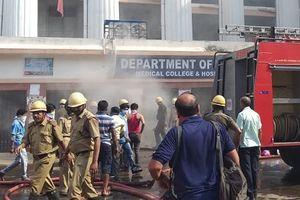 Ấn Độ: Cháy lớn tại bệnh viện công