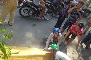 Bất ngờ lao ra đường sắt, nam thanh niên Hà Nội bị tàu đâm tử vong