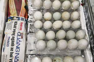 Bị phạt 7.000 đô vì mang trái phép 500 quả trứng vịt lộn vào Singapore