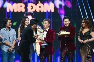 Đàm Vĩnh Hưng được tổ chức sinh nhật trên sân khấu khi đang ghi hình