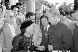 Sự gần gũi, giản dị của Tổng Bí thư Đỗ Mười với bà con xóm giềng