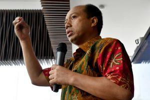 Quan chức Indonesia bị ung thư phổi vẫn gắng gượng hoàn thành nhiệm vụ