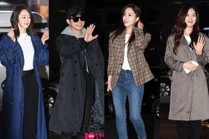 Vắng bạn gái Song Ji Hyo và Lee Ki Kwang, Park Shi Hoo cũng không lẻ loi khi có Eun Jung (T-ara) tại tiệc liên hoan