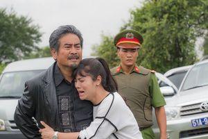 Nhật Kim Anh làm con gái... bố già