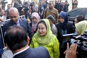 Cựu Đệ nhất phu nhân Malaysia chịu cáo buộc rửa tiền
