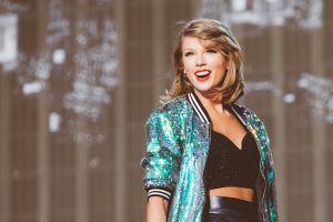 Taylor Swift và những hành động ghi điểm với người hâm mộ