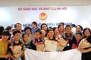 Hà Nội khen thưởng các học sinh đạt huy chương kỳ thi IMSO 2018