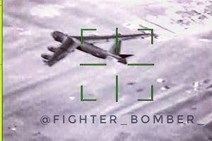 Su-35 khóa mục tiêu B-52 tại Syria