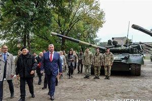 Áp dụng quy chế đặc biệt, Ukraine dồn lực xuống Donbass