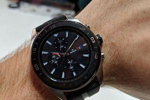 LG công bố smartwatch lai đầu tiên, pin xài 100 ngày không cần sạc