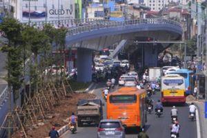 Cận cảnh cầu vượt trên 300 tỷ ở Hà Nội trước ngày thông xe