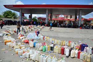 Tường trình của PV từ thảm họa sóng thần ở Indonesia: Cuộc sống đảo lộn vì thiếu xăng dầu