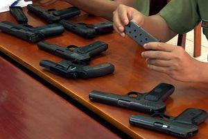 Lãnh đạo công an huyện bị xét kỷ luật vì cấp dưới trộm 9 khẩu súng