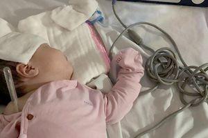 Chỉ cảm cúm, mẹ Hà Nội chiến đấu cùng con suốt 14 ngày qua 3 bệnh viện