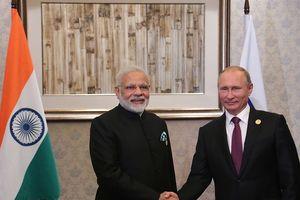 Ông Putin tới Ấn Độ để chốt thương vụ 5 tỷ USD bán tổ hợp S-400