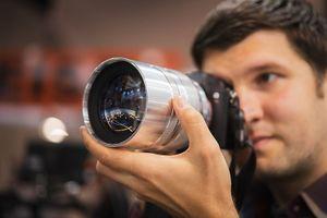 NiSi đang thử nghiệm ống kính 75mm f0.95 dành cho máy ảnh không gương lật