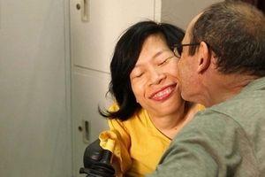 Chuyện tình đẹp của cô gái khuyết tật và chàng kỹ sư người Úc