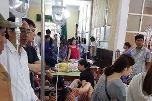 Hàng trăm học sinh nghi ngộ độc ở Ninh Bình: Niêm phong mẫu thức ăn, nước uống