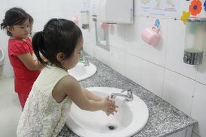 TP.HCM tăng cường ngăn ngừa tay chân miệng tại trường học