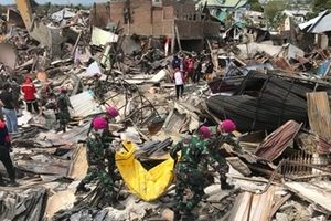 Số người chết do thảm họa kép vượt quá 1.500, Indonesia ngừng giám định thi thể