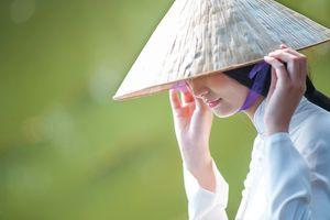 Tà áo dài và nét duyên riêng của miền cố đô Huế