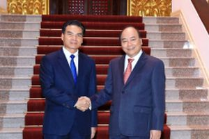 Thủ tướng Nguyễn Xuân Phúc tiếp Bộ trưởng, Chủ nhiệm Văn phòng Phủ Thủ tướng Lào