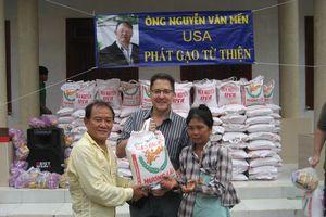 Hành trình thiện tâm của một Việt kiều xa quê và những người bạn từ Mỹ