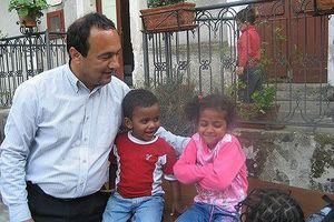 Ân nhân của hơn 6.000 người nhập cư Italia vướng vòng lao lý