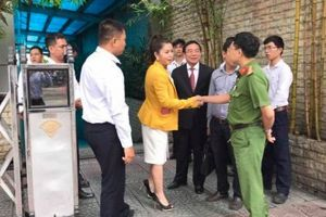 Bị 'chặn đường' về Trung Nguyên, bà Lê Hoàng Diệp Thảo yêu cầu cưỡng chế thi hành án