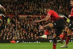 'Bàn thắng vàng' của Sanchez có giúp Mourinho giữ được ghế?