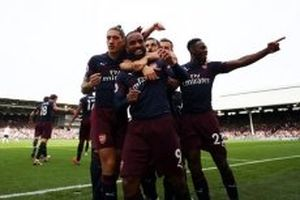 Arsenal thắng giòn giã Fulham 5-1
