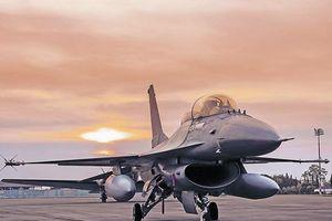 Lý do F-16 sống tốt trong thời đại máy bay tàng hình nổi như cồn
