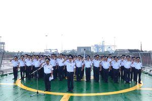 Thủy thủ tàu cảnh sát biển 8001 vĩnh biệt nguyên Tổng Bí thư Đỗ Mười