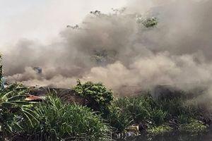 Cháy lớn tại cơ sở thu mua phế liệu, người dân hốt hoảng tháo chạy
