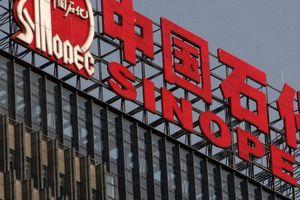 Doanh nghiệp Trung Quốc bắt đầu ngừng mua dầu Mỹ để trả đũa
