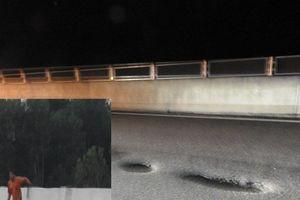 Cao tốc ngàn tỷ Đà Nẵng - Quảng Ngãi xuất hiện những 'bẫy tử thần' sau cơn mưa