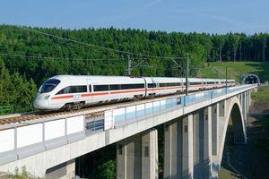Đường sắt tốc độ cao Bắc-Nam:Gặp núi đào hầm, qua khe sâu làm cầu