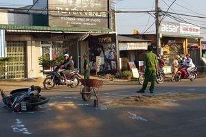 Va chạm giao thông ngã xuống đường, trung úy quân đội bị ô tô cán tử vong